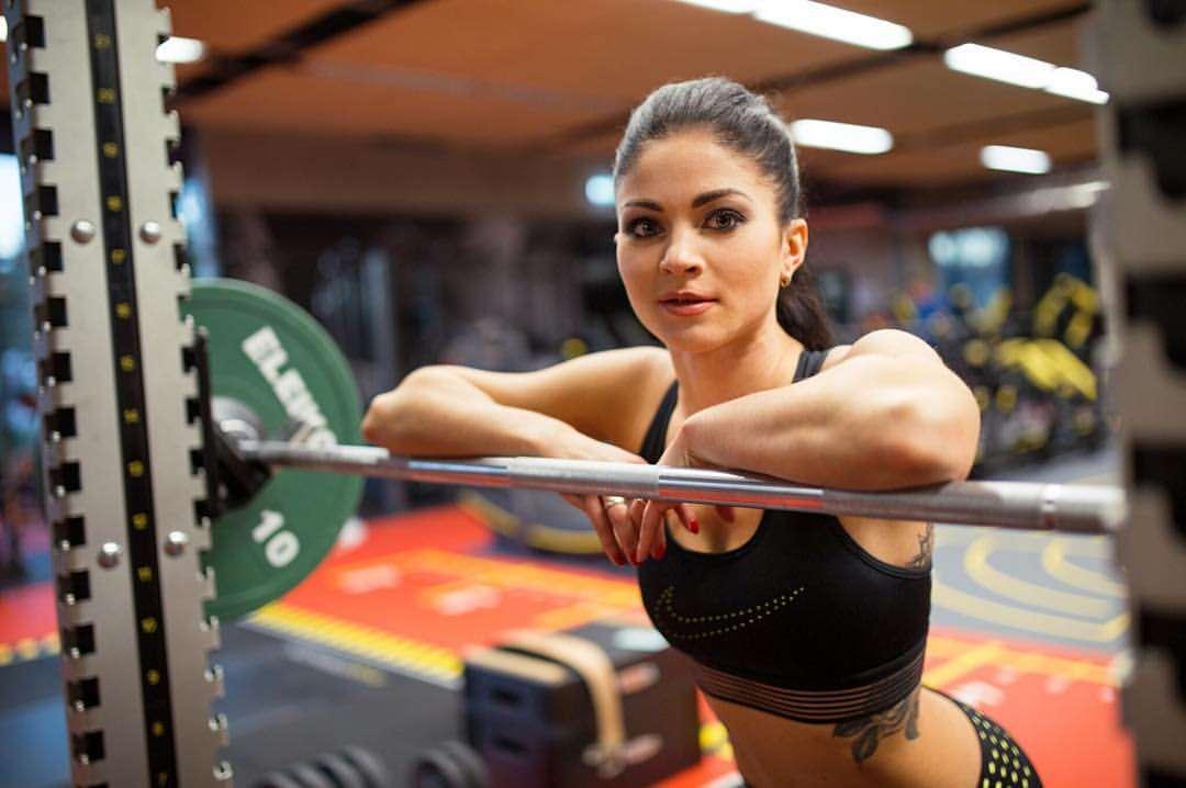 Девушка переспала со своим тренером по фитнесу